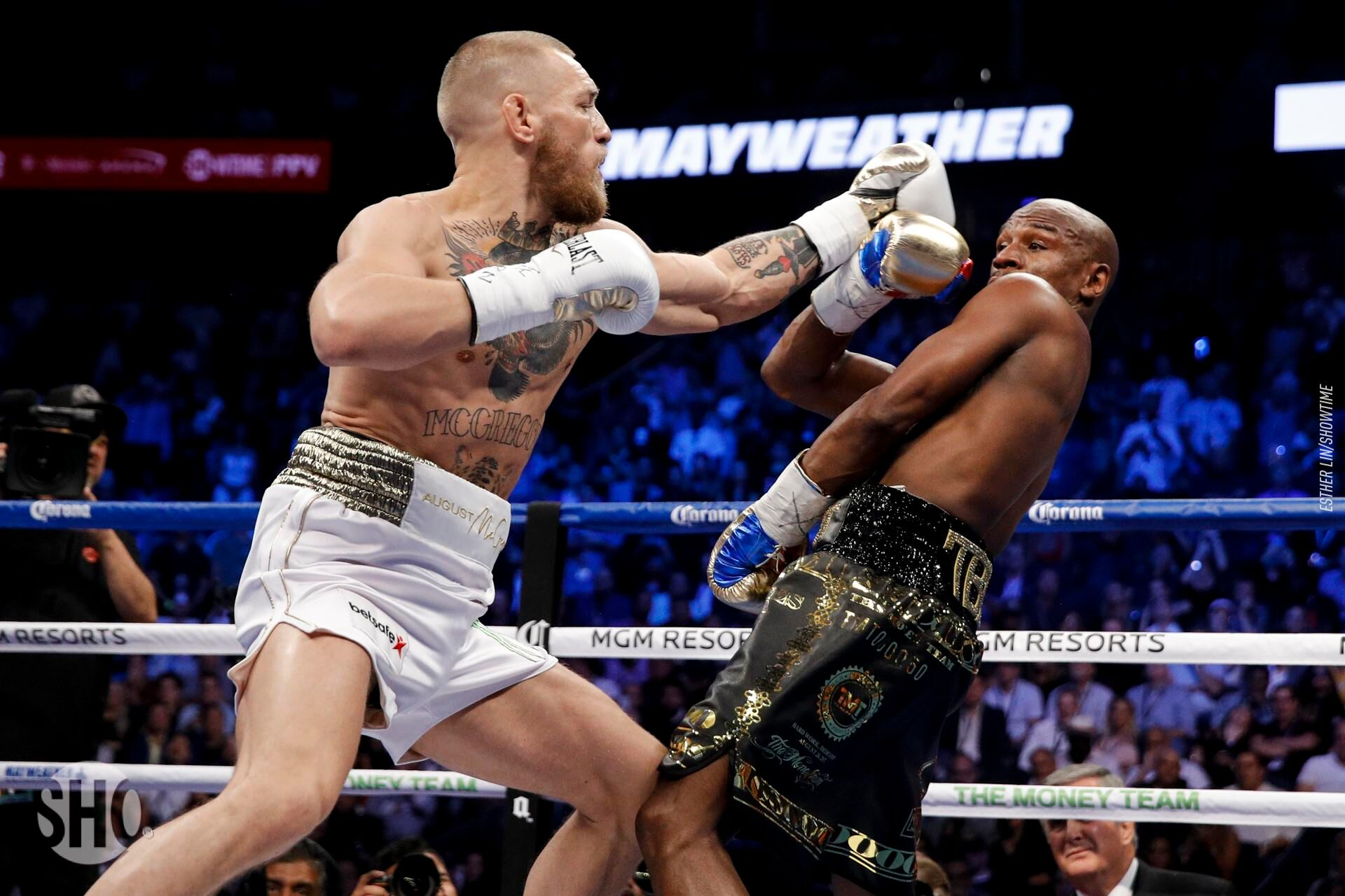 Floyd_Mayweather_vs_Conor_McGregor